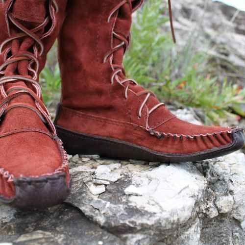 Hướng dẫn cách làm sạch và bảo quản giày da lộn - Ảnh 2