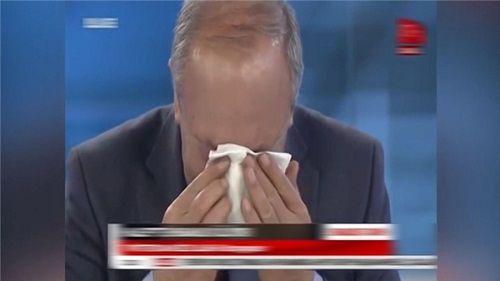 Bé 5 tuổi phẫu thuật không gây tê khiến nhà báo bật khóc trên sóng truyền hình - Ảnh 2
