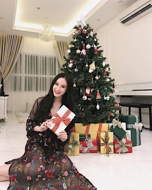 Muôn kiểu chuẩn bị chào đón Giáng Sinh của sao Việt - Ảnh 7