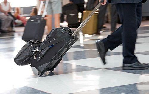 Trở thành hành khách tuyệt vời với 9 phép lịch sự khi đi máy bay - Ảnh 2