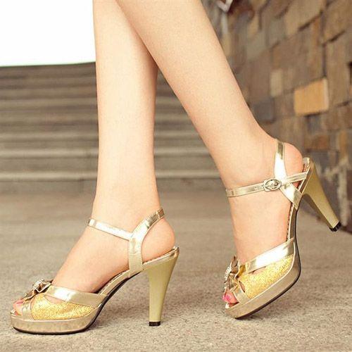 4 mẹo chọn giày cao gót với từng dáng chân - Ảnh 2