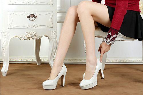 Bạn đã biết cách chọn giày cao gót phù hợp với dáng người? - Ảnh 2