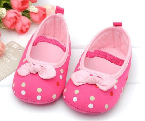 Hướng dẫn cách chọn giày dép cho bé phù hợp nhất - Ảnh 1