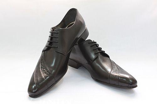 2 mẹo đơn giản giúp bạn phân biệt giày da thật và da giả    - Ảnh 5