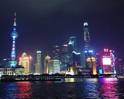 Ngọc Trinh đi du lịch Thượng Hải cùng gia đình bạn trai 72 tuổi - Ảnh 2