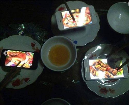 Hài hước những bữa cơm cuối tháng cộp mác sinh viên - Ảnh 2