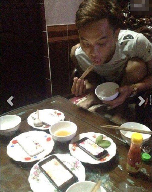 Hài hước những bữa cơm cuối tháng cộp mác sinh viên - Ảnh 3