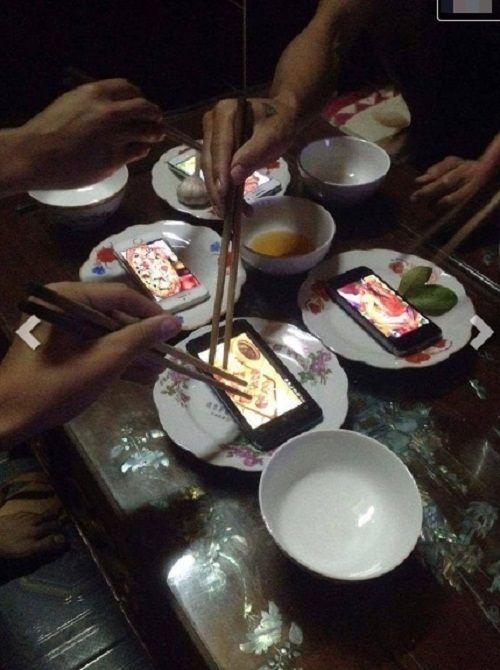 Hài hước những bữa cơm cuối tháng cộp mác sinh viên - Ảnh 4