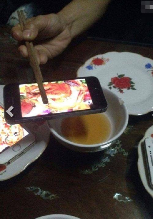 Hài hước những bữa cơm cuối tháng cộp mác sinh viên - Ảnh 7