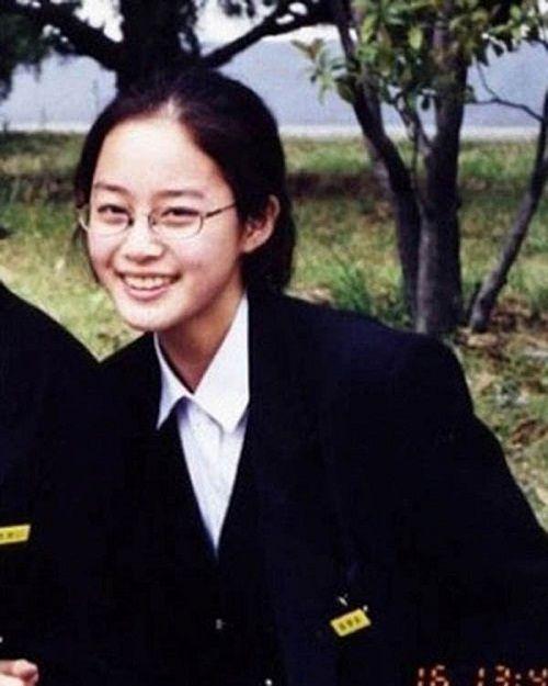 """Ngây ngất với những tấm ảnh """"ngày xưa ơi"""" của Kim Tae Hee - Ảnh 8"""