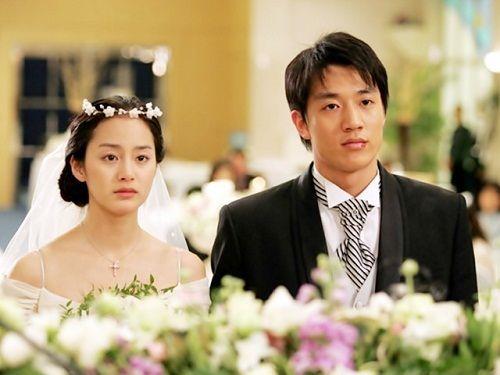 Kim Tae Hee từng có đám cưới đẹp với mỹ nam khác trước Bi Rain - Ảnh 2