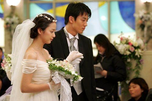 Kim Tae Hee từng có đám cưới đẹp với mỹ nam khác trước Bi Rain - Ảnh 3