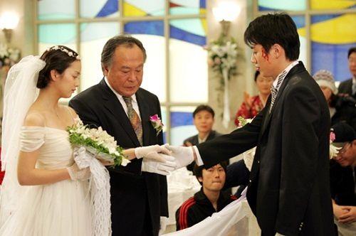 Kim Tae Hee từng có đám cưới đẹp với mỹ nam khác trước Bi Rain - Ảnh 4