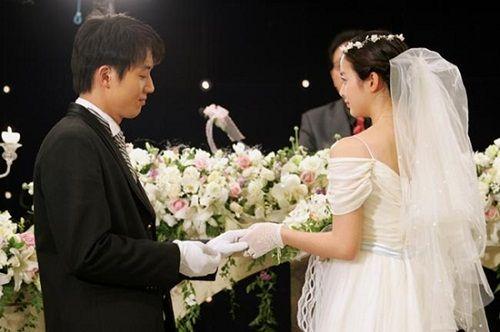 Kim Tae Hee từng có đám cưới đẹp với mỹ nam khác trước Bi Rain - Ảnh 5