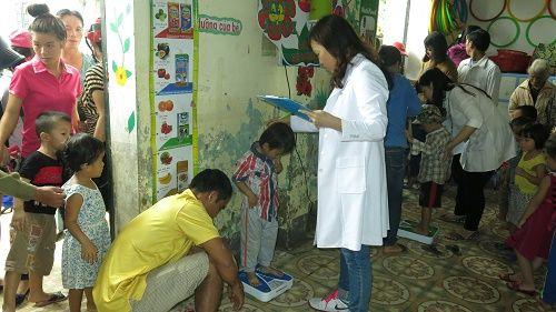 Nutifood dành hơn 9 tỷ đồng cứu trợ cho bà con vùng lũ - Ảnh 3