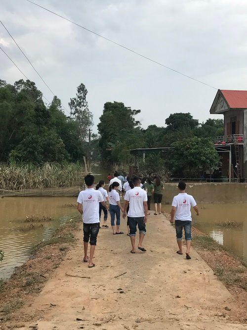 Thẩm mỹ viện Thiên Hà quyên góp ủng hộ người dân Hà Tĩnh thiệt hại sau lũ - Ảnh 3