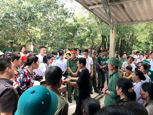 Thẩm mỹ viện Thiên Hà quyên góp ủng hộ người dân Hà Tĩnh thiệt hại sau lũ - Ảnh 4