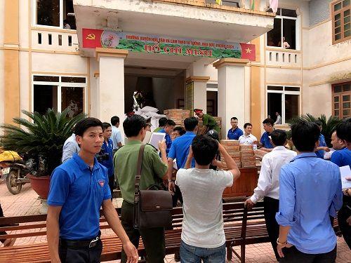 Thẩm mỹ viện Thiên Hà quyên góp ủng hộ người dân Hà Tĩnh thiệt hại sau lũ - Ảnh 6
