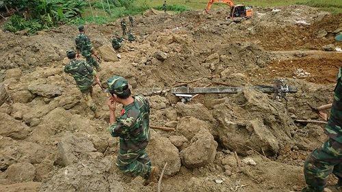 Hiện trường vụ 19 người bị chôn vùi khi đang ngủ ở Hòa Bình - Ảnh 2