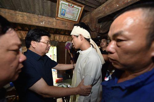 Huy động chó nghiệp vụ tìm kiếm các nạn nhân bị vùi lấp ở Hòa Bình - Ảnh 5
