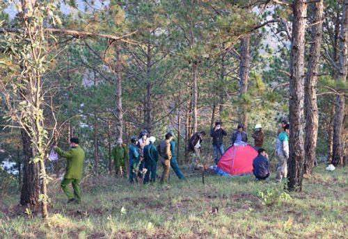 Đi chăn bò, phát hiện thi thể phượt thủ nằm co quắp trong lều - Ảnh 1