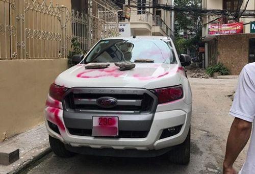 Tin tức mới nhất vụ xe Ford Range bị vẽ sơn chằng chịt ở Hà Nội - Ảnh 1