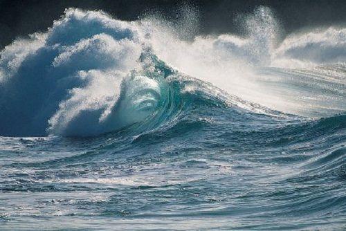 Xuất hiện vùng ấp thấp mạnh trên Biển Đông - Ảnh 1