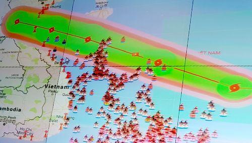 Tối 15/9, bão số 10 mạnh nhất trong nhiều năm đổ bộ Thanh Hóa – Quảng Bình - Ảnh 1