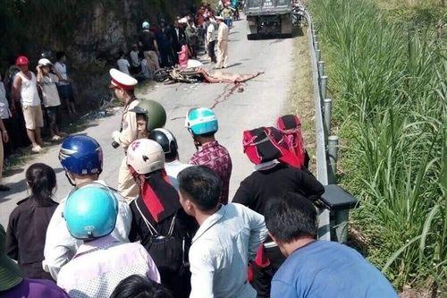 Tai nạn giao thông, 3 mẹ con chết thảm dưới gầm xe tải - Ảnh 1
