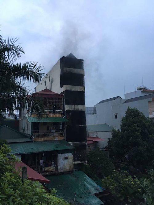 Hỏa hoạn giữa đêm ở Hà Nội, 2 người tử vong - Ảnh 2