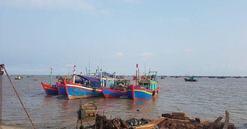 Vụ 15 ngư dân mất tích: Tìm thấy 1 thi thể - Ảnh 1