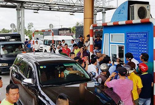 Cấm dừng xe quá 5 phút tại các trạm BOT - Ảnh 1