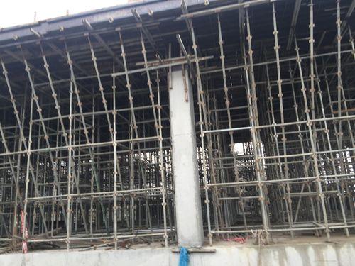 Hiện trường vụ sập giàn giáo khiến 3 người chết ở Hà Nội - Ảnh 1