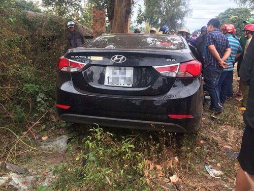 Ô tô đối đầu xe tải, 2 người chết, 3 người bị thương - Ảnh 1