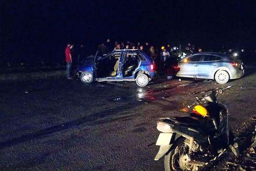 Ô tô 4 chỗ gây tai nạn liên hoàn, 6 người thương vong - Ảnh 1