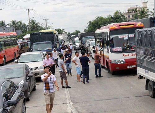 Bộ trưởng Tô Lâm chỉ đạo xử lý những người cố tình vi phạm ở trạm BOT - Ảnh 1