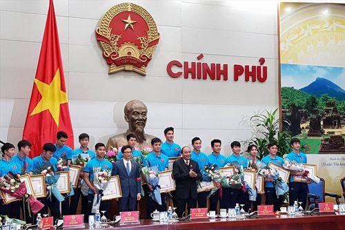Thủ tướng trao tặng Huân chương cho đội tuyển U23 Việt Nam - Ảnh 1