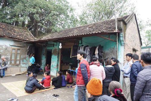 Vụ nổ lớn ở Bắc Ninh: Người cha ôm vết thương lo hậu sự cho con - Ảnh 1