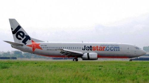 Máy bay Jetstar hạ cánh khẩn cấp xuống Nội Bài - Ảnh 1