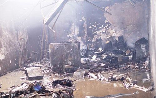 Cháy lớn tại công ty bảo hiểm ở Bình Dương - Ảnh 1