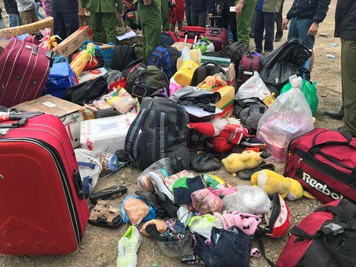 Hiện trường vụ tai nạn giao thông ở Đà Nẵng, 13 người thương vong - Ảnh 3