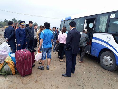 Hiện trường vụ tai nạn giao thông ở Đà Nẵng, 13 người thương vong - Ảnh 7