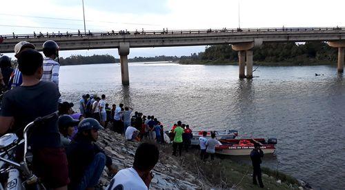 Bị mẹ mắng, thanh niên 20 tuổi nhảy xuống sông Dinh mất tích - Ảnh 1