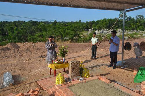 Nguyễn Phước tộc phản đối di dời mộ vợ vua Tự Đức - Ảnh 1