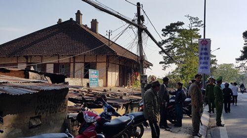 Ảnh khám nghiệm hiện trường vụ án mạng cháy biệt thự cổ, 5 người chết ở Đà Lạt - Ảnh 8