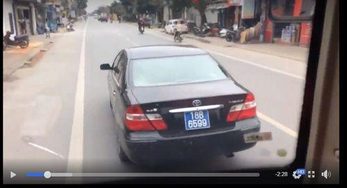 Xác minh xe biển xanh lạng lách, chèn ép xe khách ở Nam Định - Ảnh 1