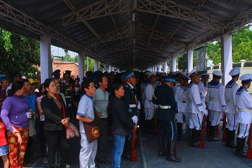 Cố Thủ tướng Phan Văn Khải về với đất mẹ trong niềm tiếc thương vô hạn - Ảnh 3