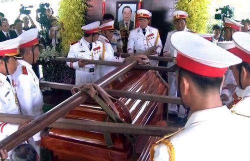 Cố Thủ tướng Phan Văn Khải về với đất mẹ trong niềm tiếc thương vô hạn - Ảnh 8
