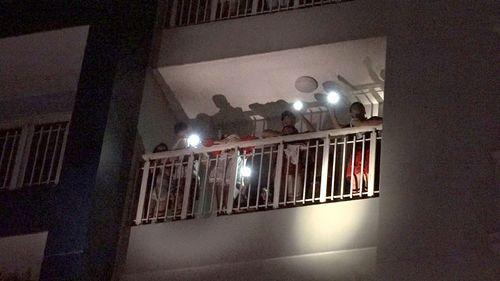 Hiện trường vụ cháy chung cư ở Sài Gòn, 13 người chết - Ảnh 5