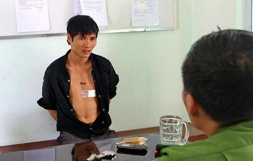 Video: Nghẹt thở màn giải cứu nam thanh niên ngáo đá ở Nha Trang - Ảnh 1